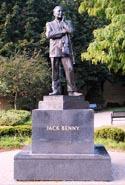 Jack Benny Statue